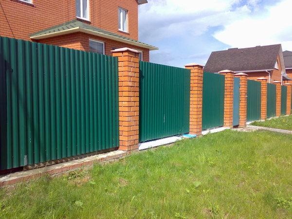 Забор из профнастила с8
